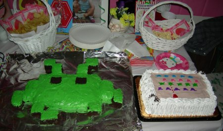 space-invader-cakes1