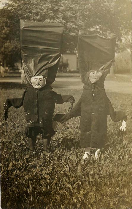 halloween countdown vintage halloween photos shewalkssoftly. Black Bedroom Furniture Sets. Home Design Ideas