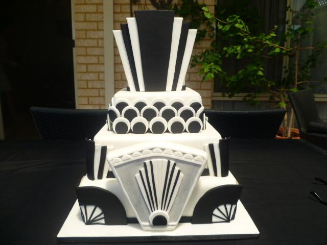 Image odyssey art deco cakes shewalkssoftly for Art cake decoration