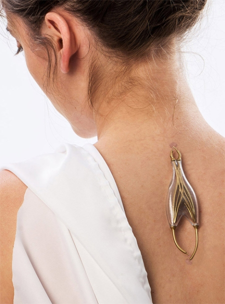 jewelry-powered-by-human-bodies
