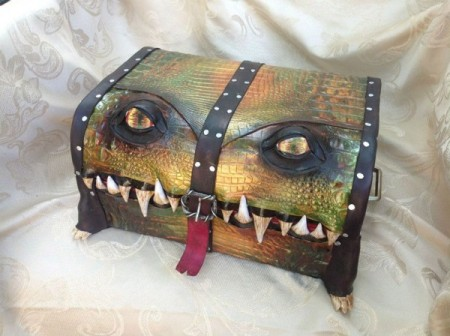 fantasy-monster-boxes-leather-fine-line-workshop-mellie-z-5-600x448