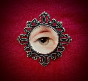 Lover's Eye brooch plain 1