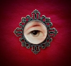 Lover's Eye brooch plain 1